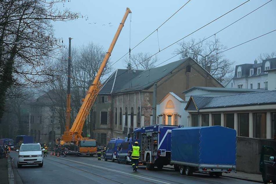 Für die Sicherungsarbeiten am Lahmann-Sanatorium wurde das Technische Hilfswerk um Unterstützung gebeten.