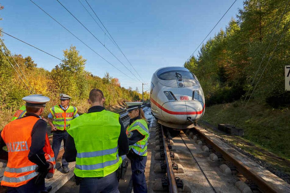 Vom frühen Samstagmorgen an will die Bahn zwischen Siegburg/Bonn und Montabaur wieder Züge rollen lassen.