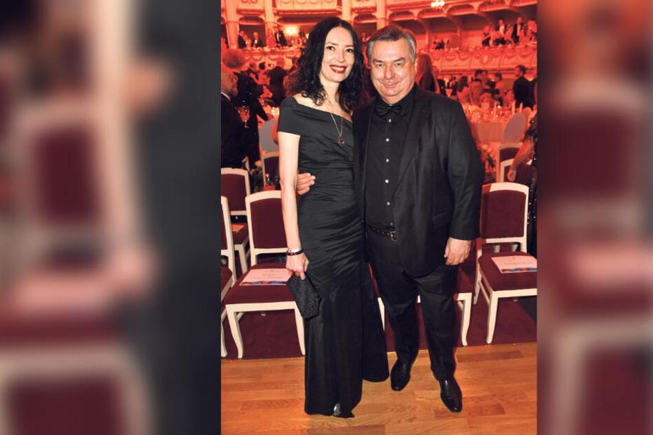 Ex-Sportschau-Moderator Waldemar Hartmann war schon oft in Sachsen, hier mit Ehefrau Petra (48) beim SemperOpernball in Dresden.