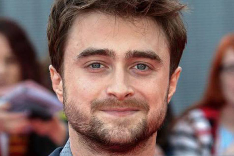 Schauspieler Daniel Radcliffe (27) wurde als Harry Potter berühmt. Nun will er gegen James Bond kämpfen.