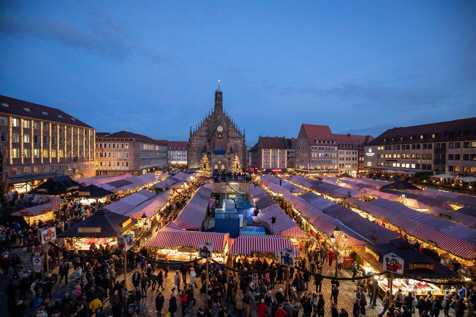 Blick über den Nürnberger Christkindlesmarkt.