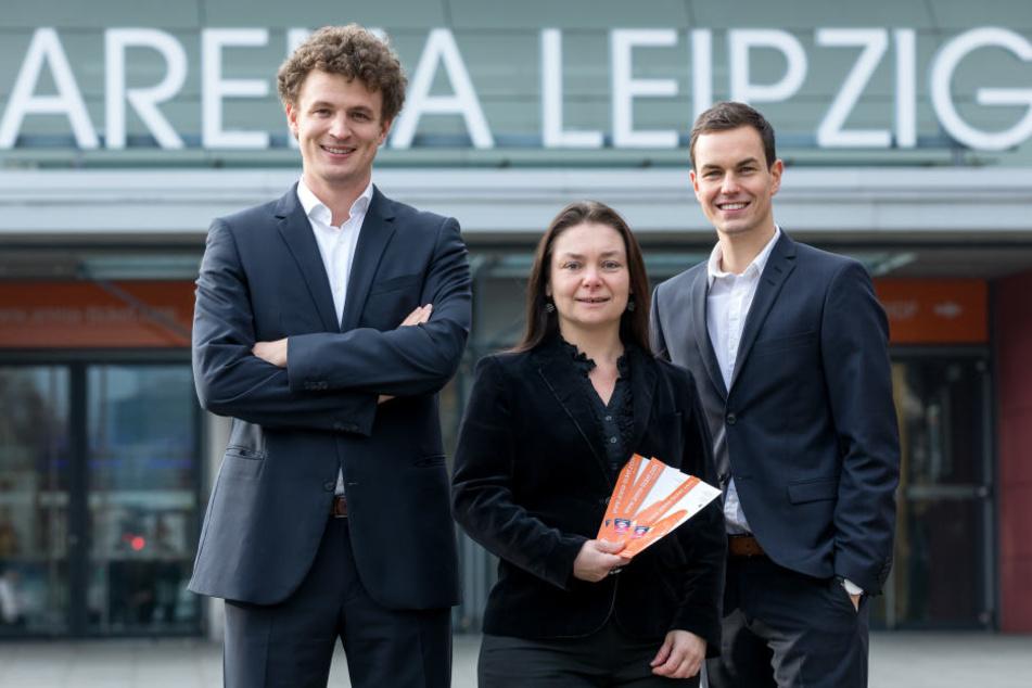 Geschäftsführer Matthias Kölmel zusammen mit Iris Rackwitz und Philipp Franke von der ZSL Betreibergesellschaft.