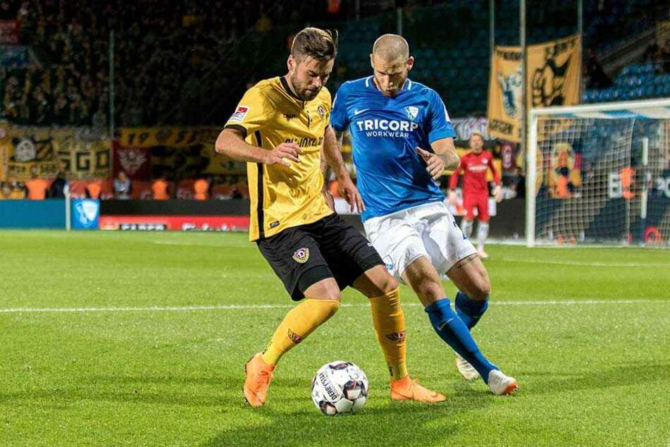 Das Hinspiel in Bochum gewann Dynamo knapp mit 1:0. Niklas Kreuzer (l.) setzte sich hier gegen Timo Perthel durch.