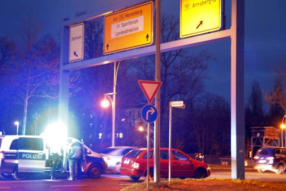 Auf der Reichsstraße, Ecke Beckerstraße passierte der Unfall.