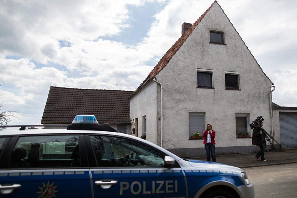 In diesem Haus sind die schrecklichen Taten geschehen. Aber wer war schuld?