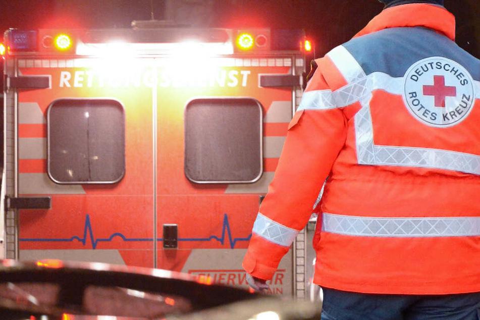 Fußgängerin (85) übersieht Renault: lebensgefährliche Verletzungen