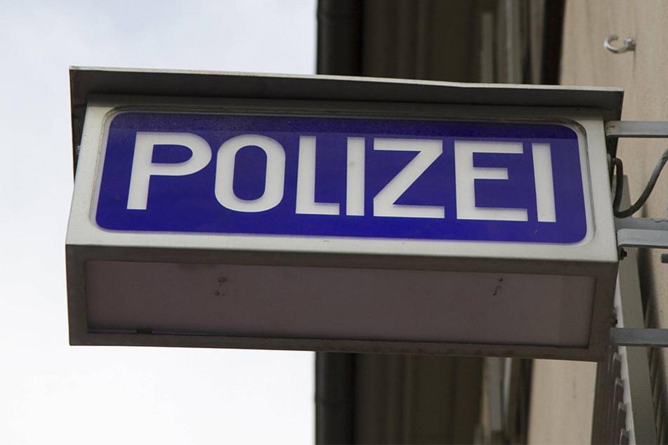 Die Polizeileitstelle Lippe erhielt am 14. September per Notruf eine Bombendrohung (Symbolbild).