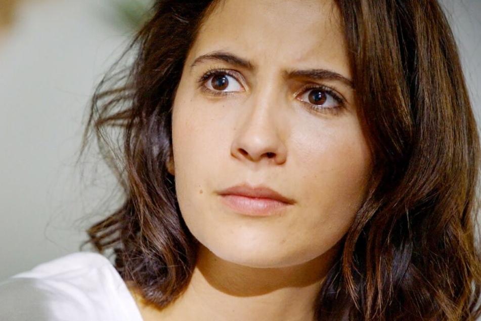 Viele Fans vermuteten, dass Laura aufgrund der Schwangerschaft ihrer Darstellerin Chryssanthi Kavazi an Aplastischer Anämie erkranken musste.