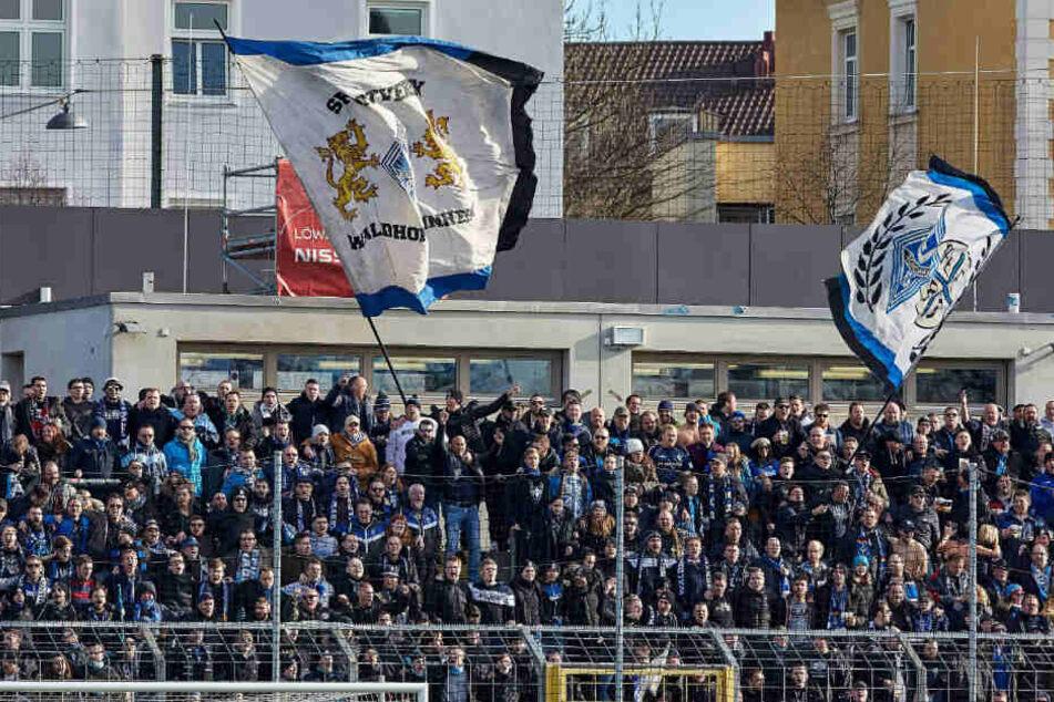 Nach Drittliga-Partie: Mannheim-Anhänger attackieren 1860-Fans in U-Bahn!