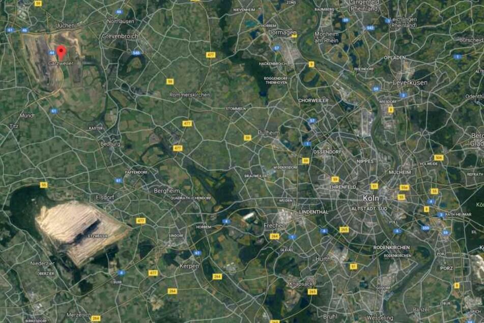 Aus dem All: Ein Blick auf die riesigen Tagebaue Hambach und Garzweiler westlich von Köln.