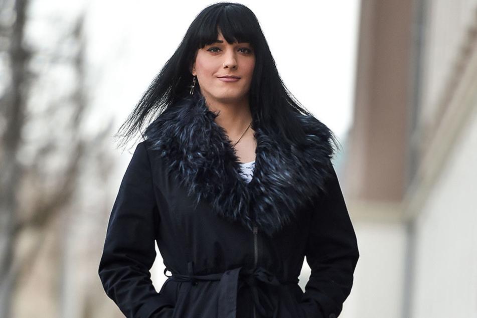 Nach Stella Stützner (36) drehen sich die Männer auf der Straße um, doch sie wünscht sich eine Frau als Partner.