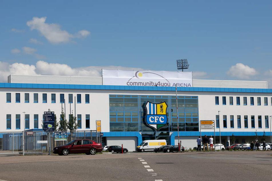 Hinter der glänzenden Kulisse des neuen Stadions verstecken sich große finanzielle Probleme.