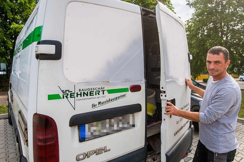 Muss seinen Firmenwagen mit einer Stahlplatte gegen Einbrecher schützen: Nico Böttger (42).