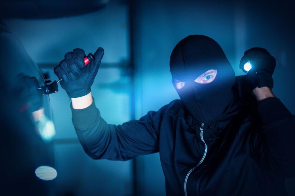 Ein maskierter Mann befand sich in der Bank.