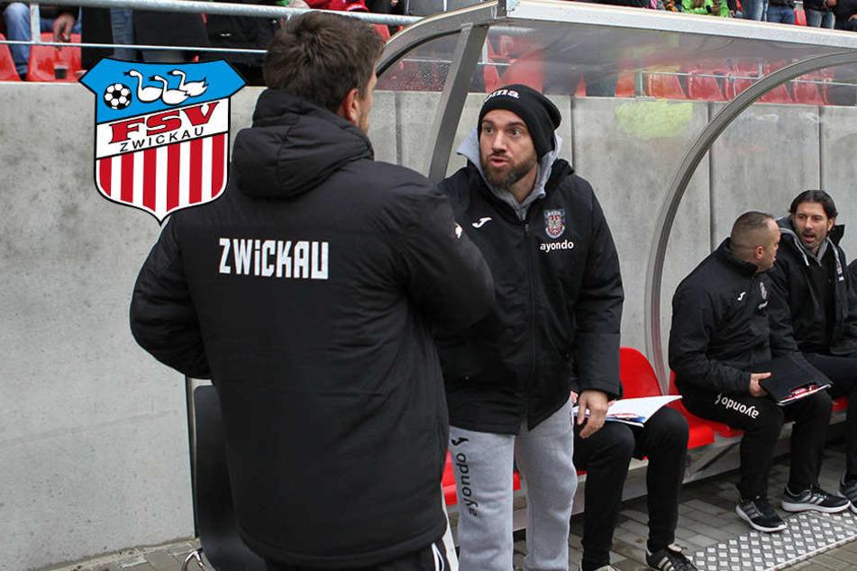 Frankfurts Trainer Roland Vrabec  (r.) begrüßt vorm Spiel seine Kollegen Torsten Ziegner. nach dem Abpfiff war er  nicht mehr so lieb...