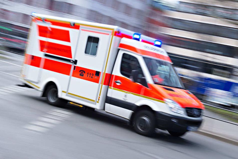 Ein Rettungswagen war vor Ort. (Symbolbild)