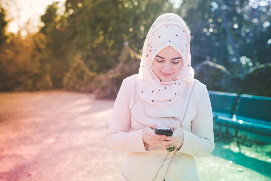 Die junge Engländerin trug einen Hijab. (Symbolbild)