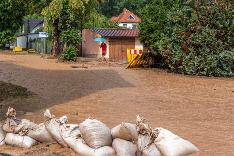 Schlammlawine rollt durch Thüringer Dorf und richtet großen Schaden an