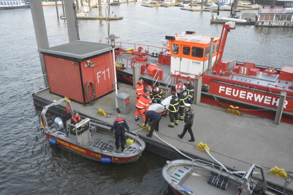 Identität noch unklar! Wasserleiche in Hamburg angeschwemmt