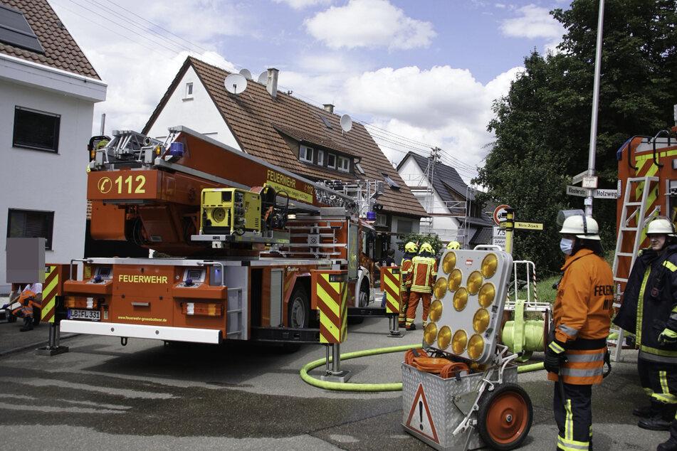 Die Feuerwehrleute sind in Steinheim an der Murr im Einsatz.