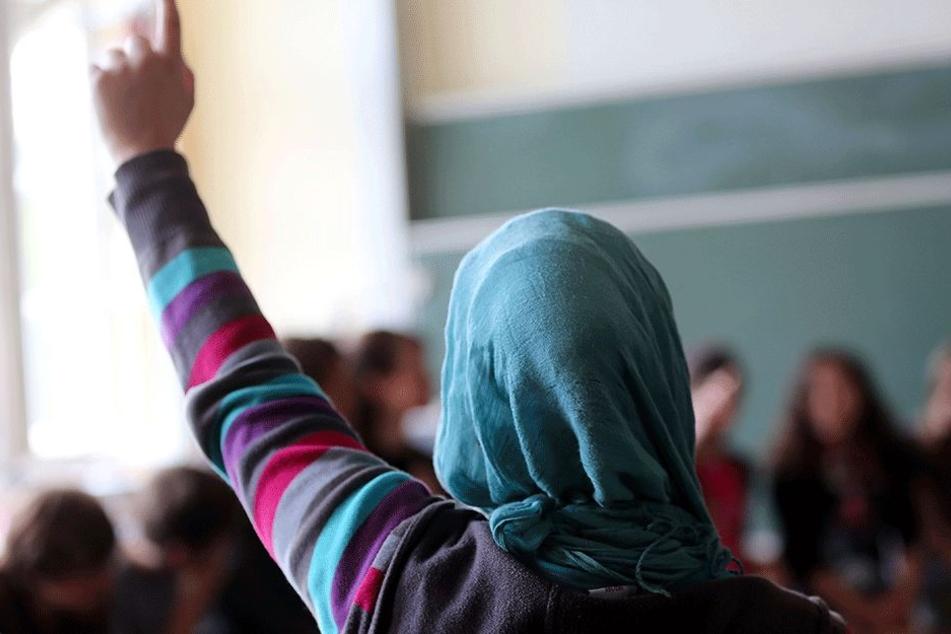 Die Studentin durfte ihr Kopftuch letzten Endes tragen (Symbolbild).