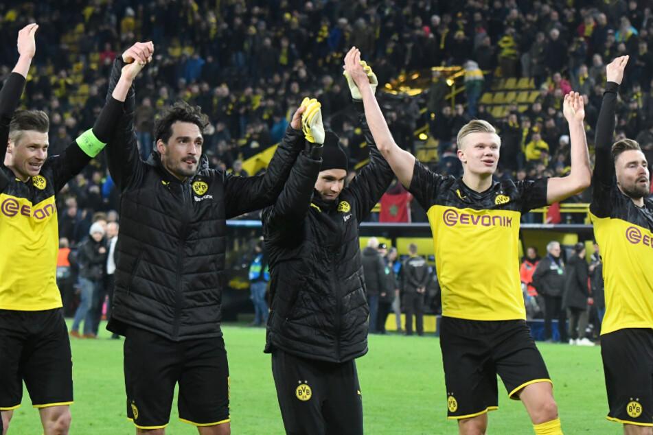 Die Spieler des BVB feierten nach dem Sieg im Hinspiel mit ihrem Anhang. Können sie ein mögliches Weiterkommen überhaupt gemeinsam mit ihren Fans erleben?