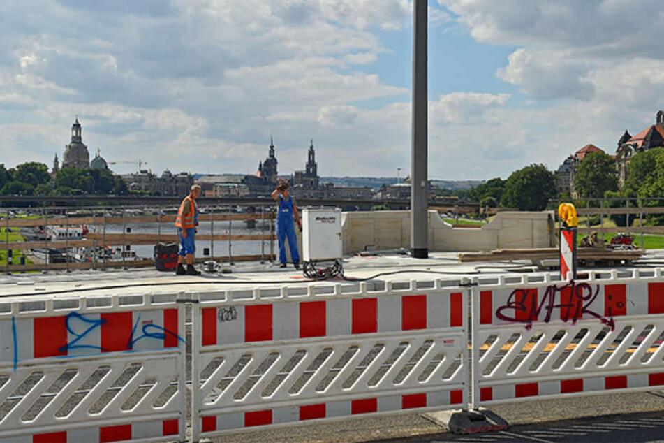 Die Albertbrücke wird am 5. September frei gegeben. Allerdings fehlen noch Teile  des Geländers.