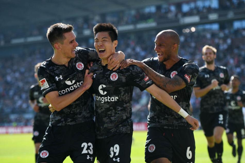 Am Ende des Tages konnte St. Pauli den Klassenerhalt feiern.