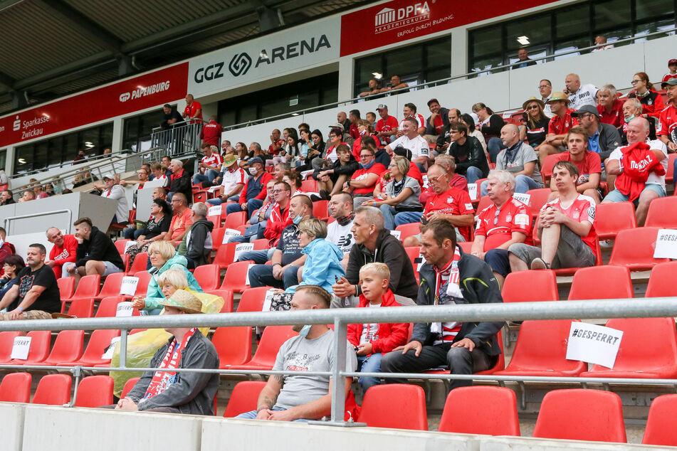 Ende August schauten bereits 1000 Fans dem FSV beim Training zu. Zum heutigen Match gegen die Würzburger Kickers könnten es 3500 werden!