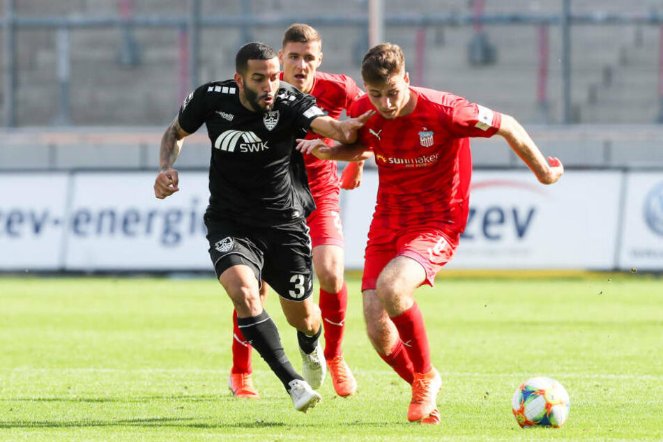 Julius Reinhardt (r.) muss heute gegen Viktoria Köln auf seinen kongenialen Partner Leon Jensen verzichten.