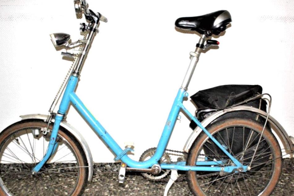 Blauer Rahmen und bereits etwas Rost. So sah das Rad des Mannes aus.