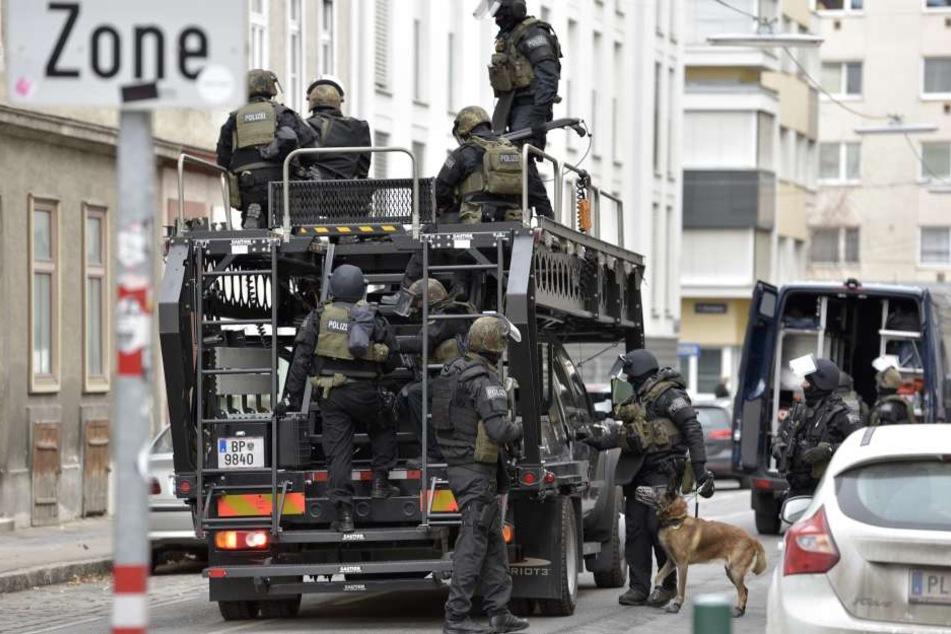 Mit einem Großaufgebot der Spezialeinheit Cobra rückte die Wiener Polizei an, um M. festzunehmen.