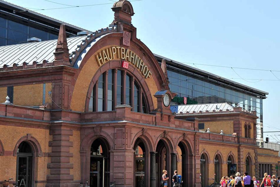 Der Hauptbahnhof Erfurt wurde Ort eines fiesen Diebstahls.
