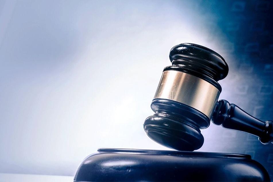 Die Justiz wird wohl einen Weg finden das Fake-Ehepaar zu stoppen (Symbolbild).