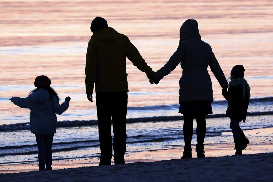 Eltern werden finanziell mehr unterstützt. (Symbolbild)