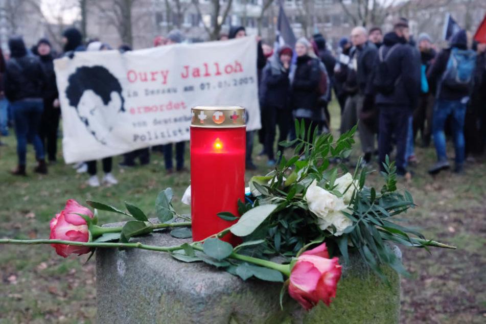 Am 7. Januar erinnerten Tausende Menschen in Dessau-Roßlau an den Feuertod von Oury Jalloh vor 13 Jahren.