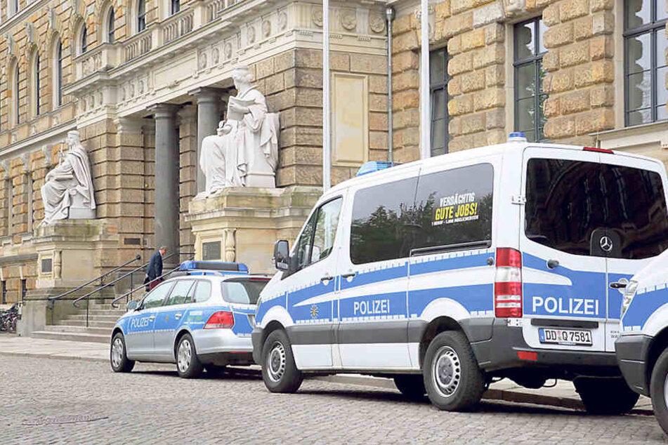 Am Landgericht Dresden sind derzeit vor allem die Wirtschafts- und die  Staatsschutzkammer überlastet.