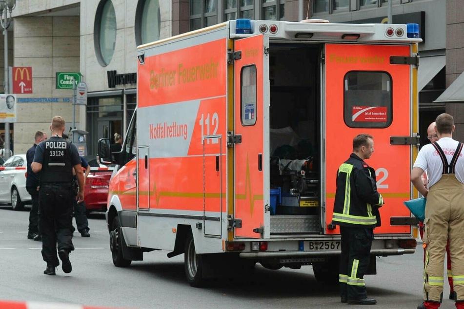 Radfahrerin (15) kracht gegen ein Autoheck und wird schwer verletzt
