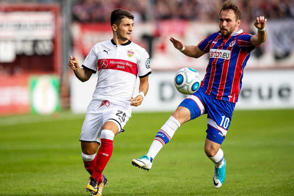 Fabio Viteritti, hier im DFB-Pokal im Einsatz für Energie Cottbus gegen den VfB Stuttgart, verstärkt den FSV Zwickau.