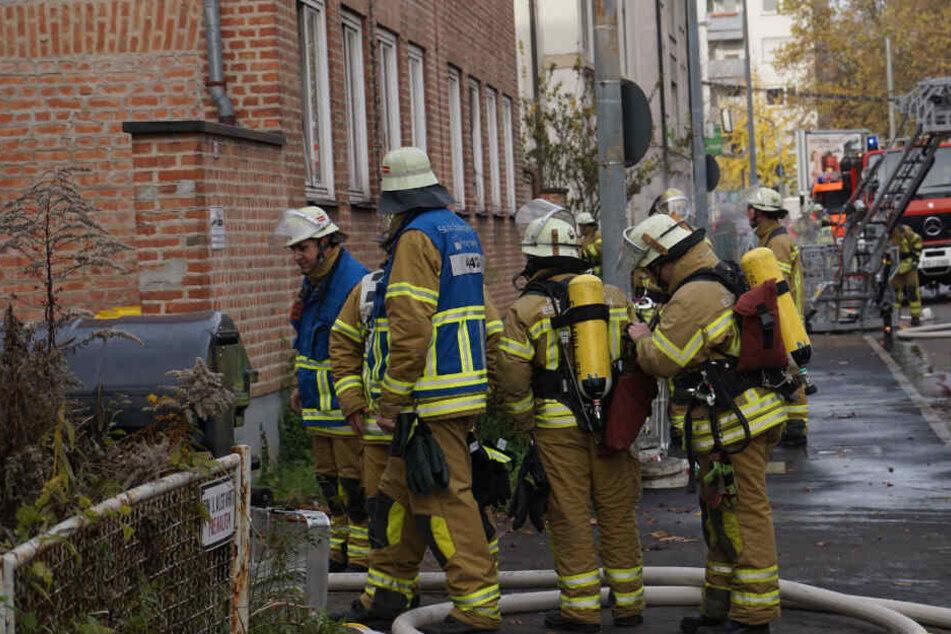 Feuer in Männer-Wohnheim: Ein Verletzter und satter Sachschaden
