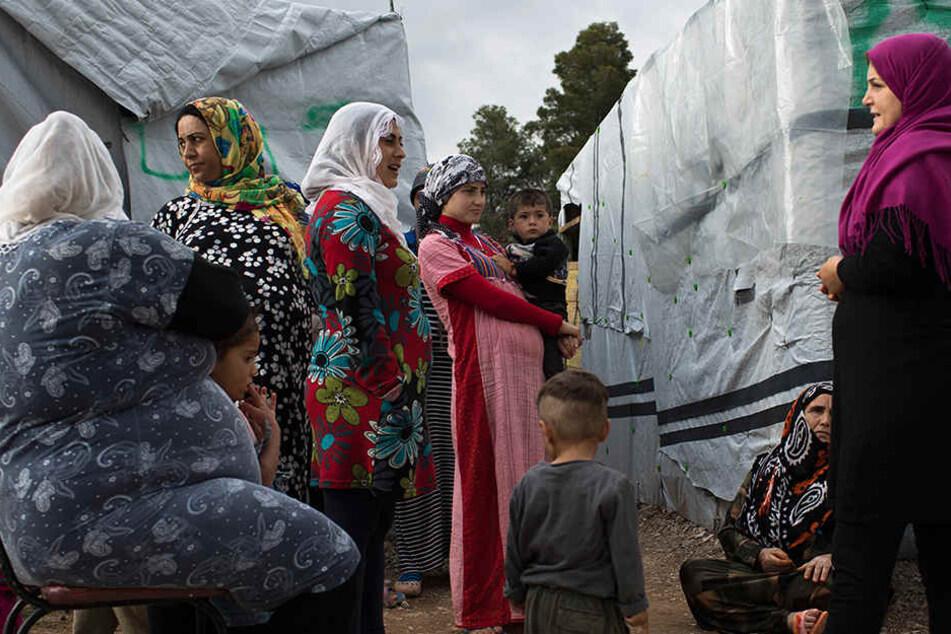 Die Familie lebte 2014 in einem Flüchtlingscamp an der türkischen Grenze. Für das Bürgen bekommen viele jetzt die Zahlungsaufforderung. (Symbolbild)