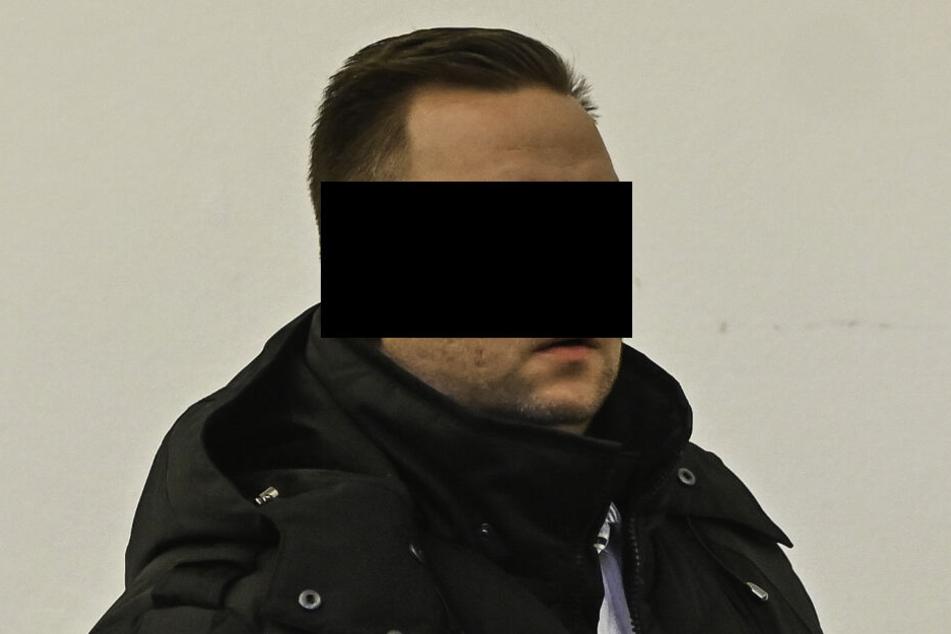 Uwe K. (40) fuhr neunmal zu den verängstigten Senioren bevor die Polizei ihn schnappte.