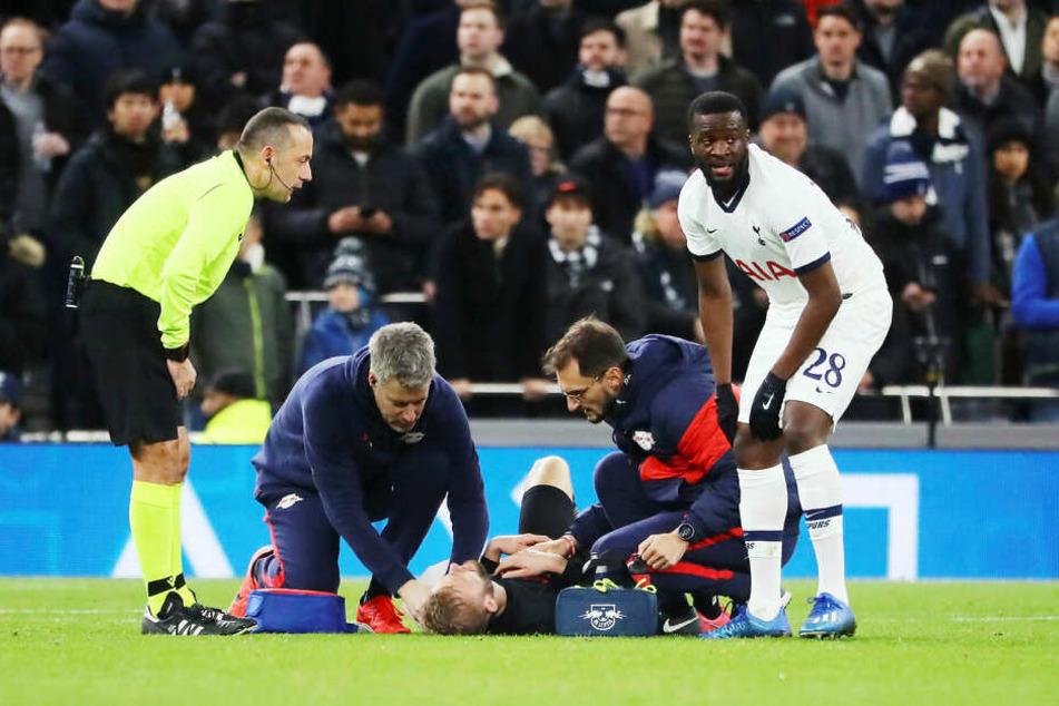 Konrad Laimer zog sich in der Elfmetersituation gegen Tottenham eine Schulterverletzung zu, könnte gegen Schalke ausfallen.