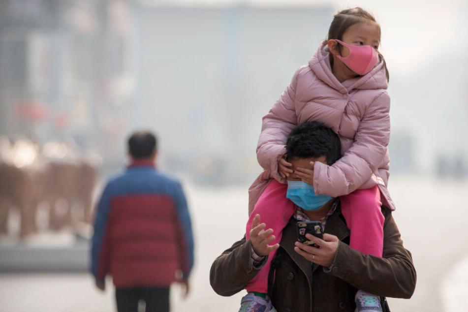 Das Coronavirus hat sich bislang vor allem in China ausgebreitet. Dort gibt es schon jetzt Dutzende Todesopfer und Tausende Infizierte.
