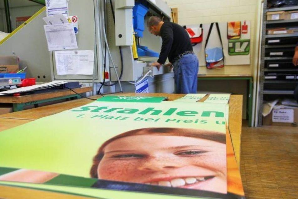 So sahen die Werbeplakate der AOK PLUS vor der Verarbeitung aus.