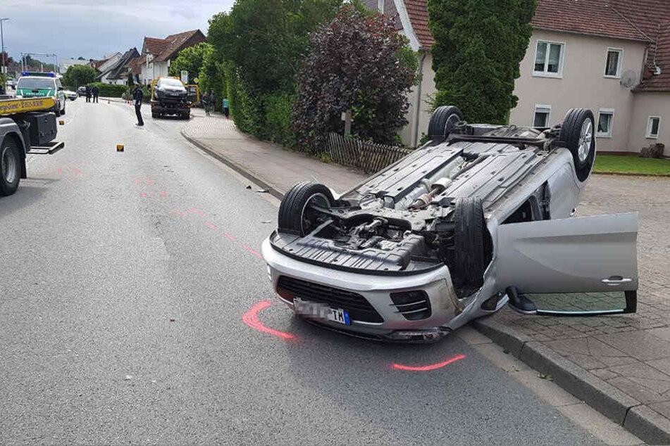 Warum der Mann auf das andere Auto auffuhr, ist noch nicht klar.