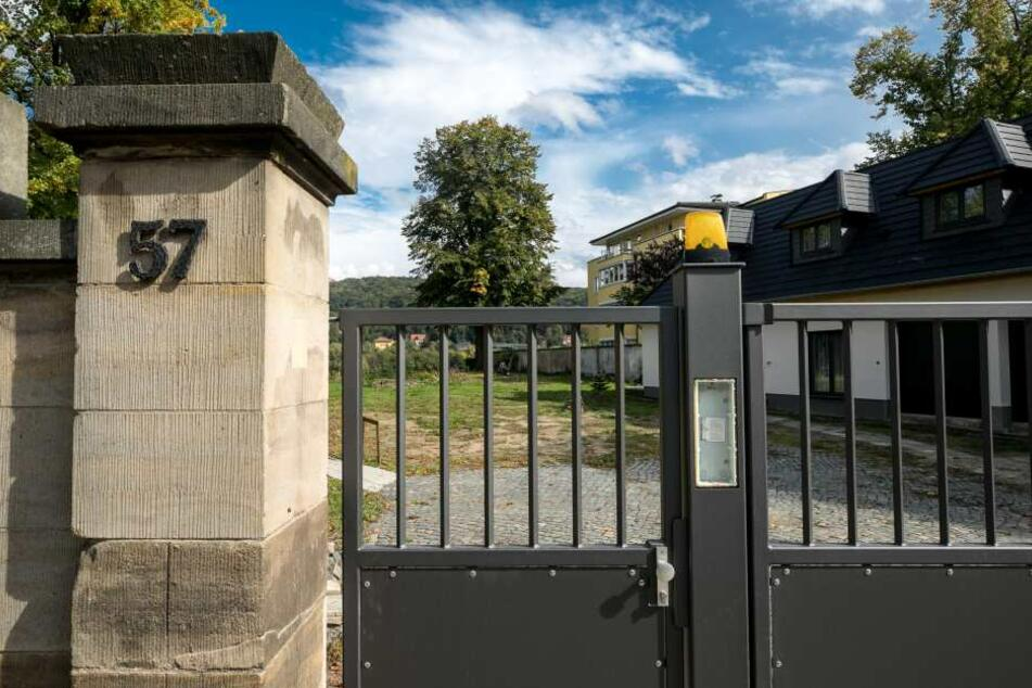 Auf diesem Grundstück in Blasewitz an der Tolkewitzer Straße 57 stand bis 2014 eine denkmalgeschützte Villa.