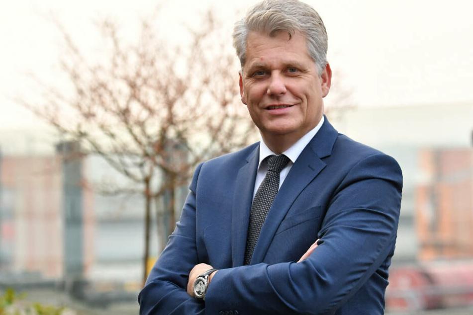 """""""Flüge nach Festland-China auszusetzen schmerzt"""", sagt Lufthansa-Vorstandsmitglied Harry Hohmeister (Archivbild)."""