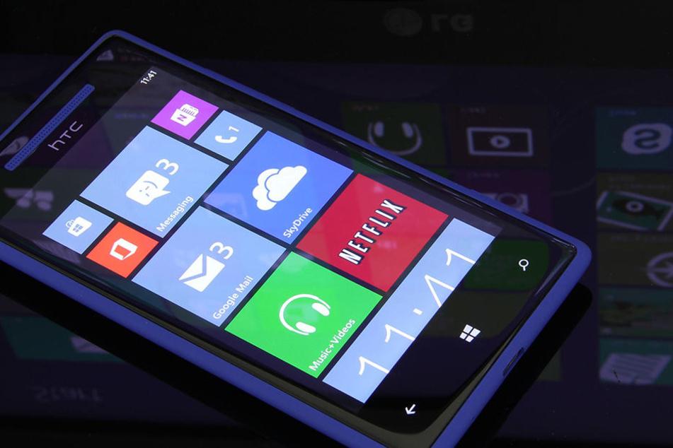 Ab 1. Januar können sich Besitzer eines Windows Phones ab Generation 8.0 keinen WhatsApp-Account mehr erstellen.