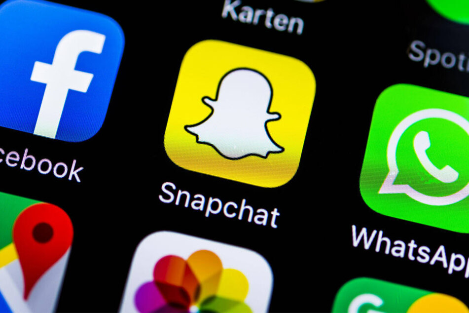 Facebook, Snapchat und WhatsApp sind einige Beispiele für Social-Media-Plattformen (Symbolbild).